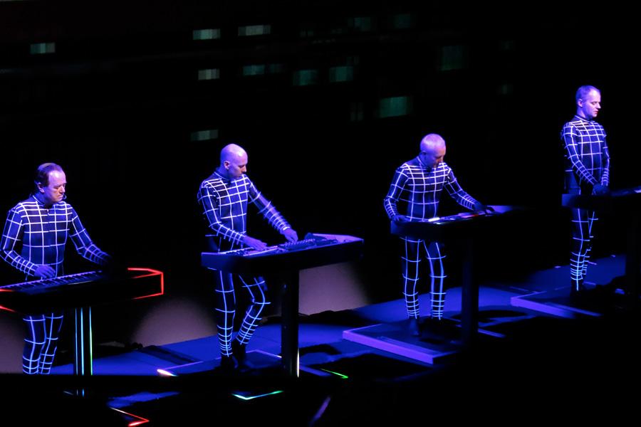 Kraftwerk_Sydney2013_Electric