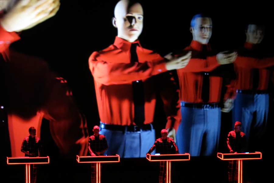 Kraftwerk_Sydney2013_TheRobots